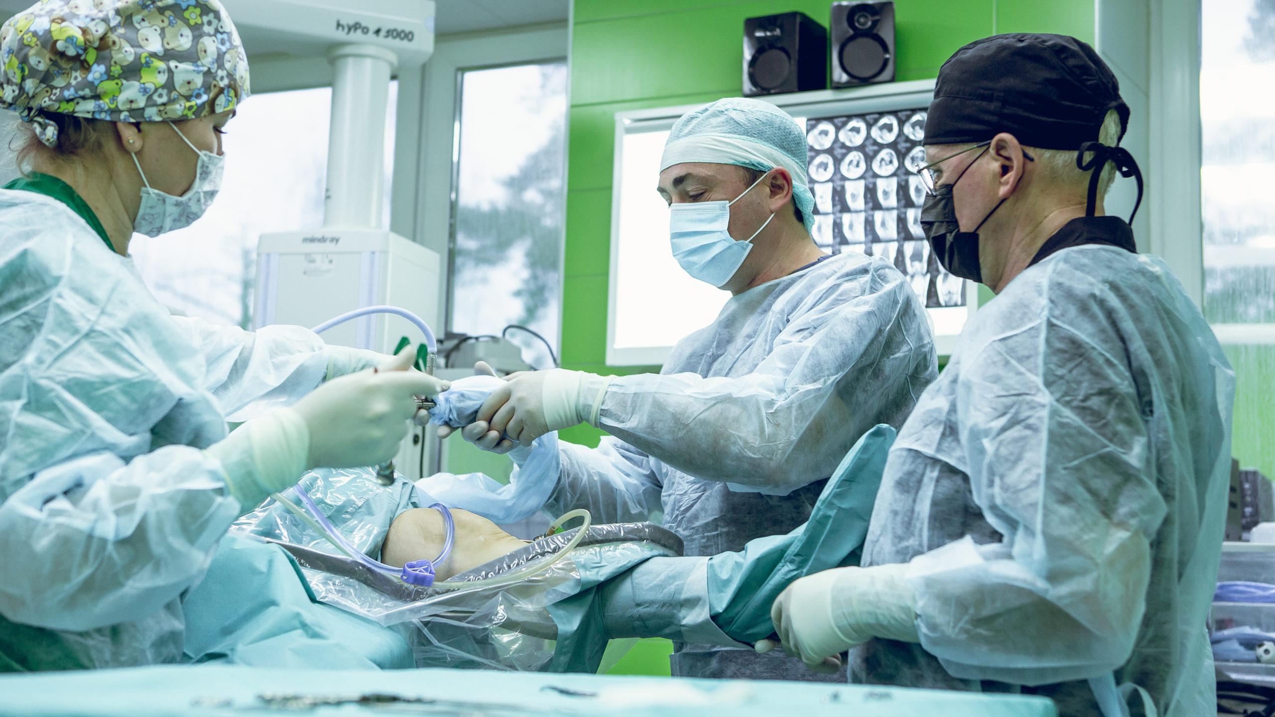 Артроскопическая пластика передней крестообразной связки